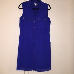 Sleeveless blue button up dress